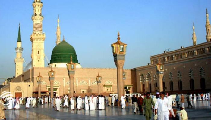 کلیپ تصویری: زيارت پیامبر اکرم (ص) با صدای أباذر الحلواجي